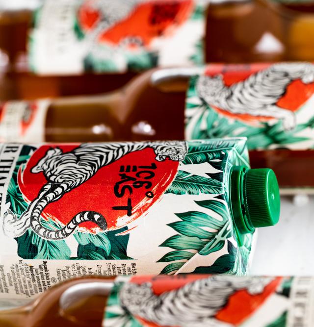 Tiger-Thai-Tea-Flaschen-und-Tetra